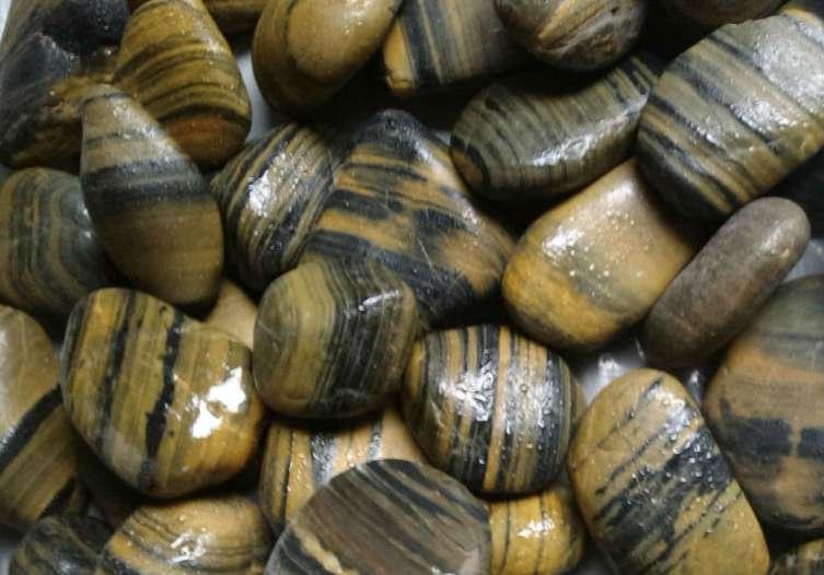Полирани овални камъни