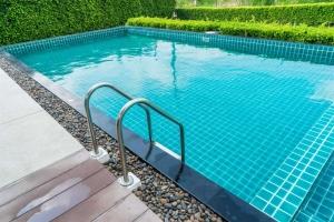 Усещане за бистра и чиста вода в басейна